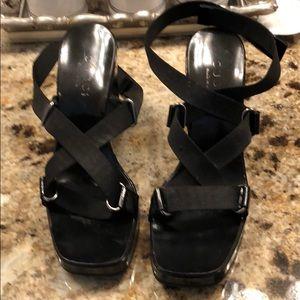 Gucci size 7 Velcro strap sandals